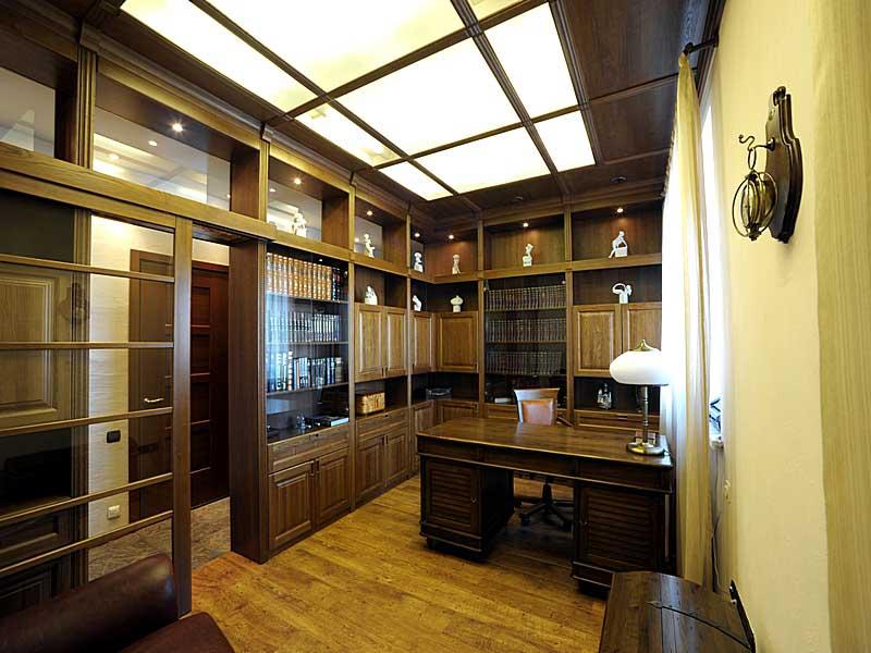 Матовое оргстекло для потолка в кабинете