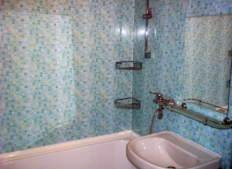 Ванная, облицованная ПВХ панелями