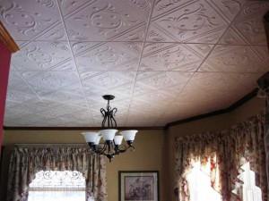 Особенности потолочной плитки из пенополистирола