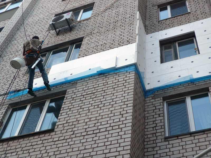 Монтаж пенополистирола для утепления фасадов