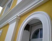 Использование фасадного декора из пенополистирола