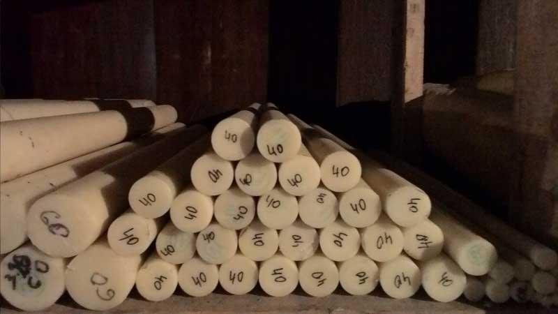 Хранение капролона в стержнях