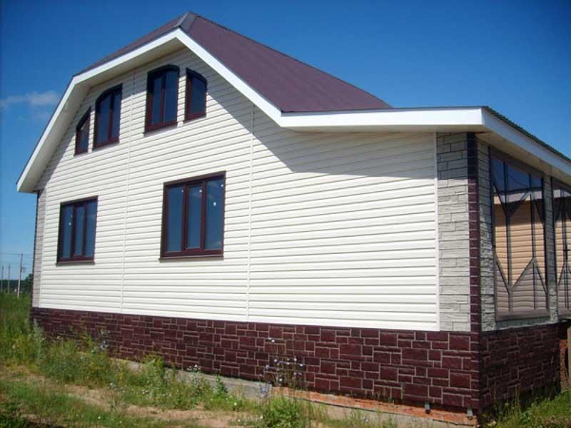 Дом, облицованный виниловым сайдингом