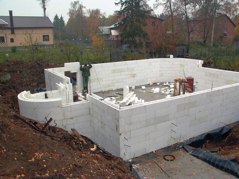 Строительство с использованием несъемной опалубки из пенополистирола