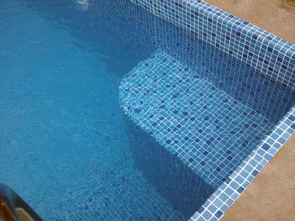 Преимущества ПВХ пленки для бассейнов