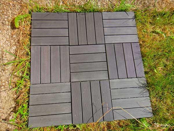 Разновидности пластиковой плитки для дачи