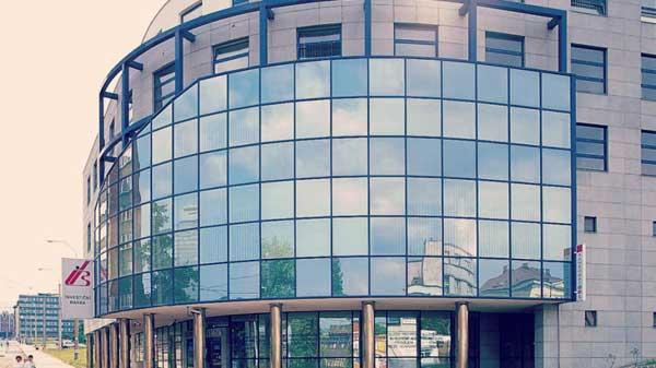Остекления здания поликарбонатом