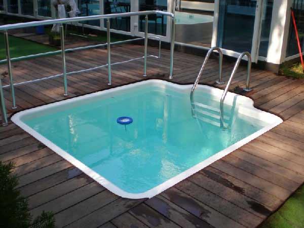 Купель для бани квадратной формы