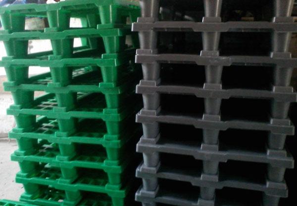 Как производятся пластиковые поддоны