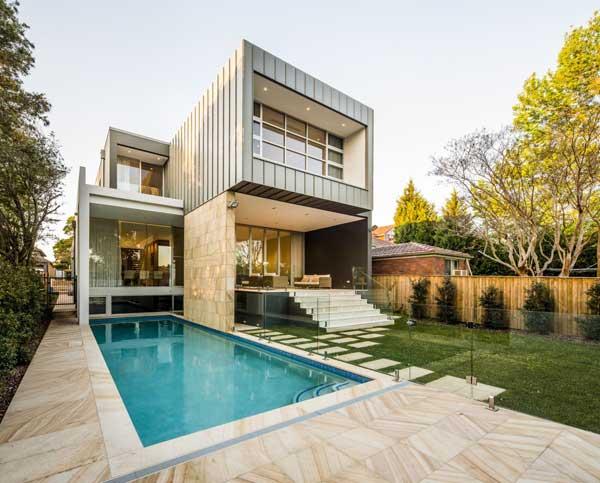 Недвижимость с бассейном всегда дороже