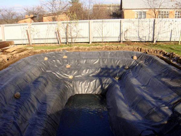 Полимерное покрытие для дна водоема